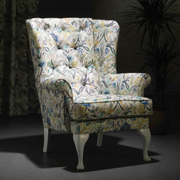 Bespoke Giverny Knoll Wingback Buttoned Armchair