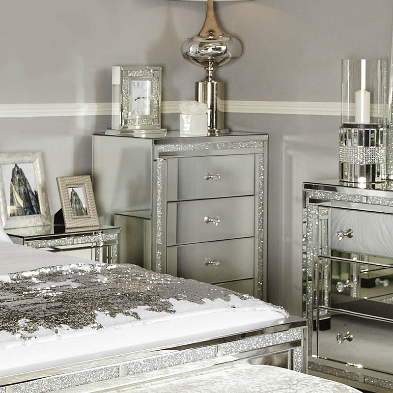 Madorra Mirrored Diamante 4 Drawer Chest of Drawers